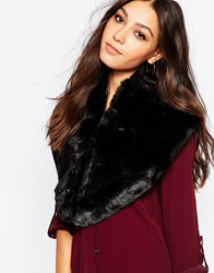 Urbancode Faux Fur Tippet In Black