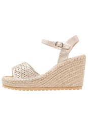 Refresh Platform Sandals Gold