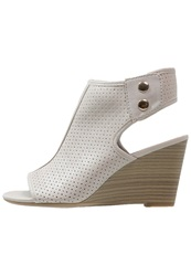 Mustang Wedge Sandals Ice White