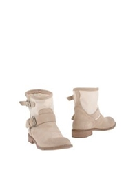 Innue' Ankle Boots Camel