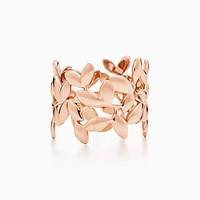 Tiffany And Co. Paloma Picasso Olive Leaf Band Ring In 18K Rose Gold.