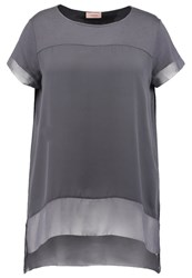 Triangle Print Tshirt Deep Athracite Anthracite