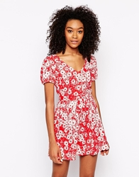 Motel Leah T Shirt Dress In Daisy Print Red