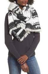 Sole Society Women's Textured Blanket Scarf Black White Combo