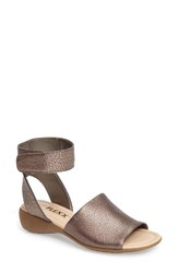The Flexx Women's 'Beglad' Leather Ankle Strap Sandal Silver Leather