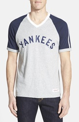 Mitchell Ness 'New York Yankees' V Neck T Shirt Heather