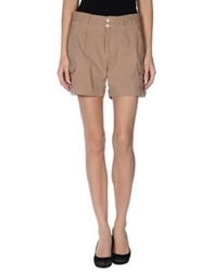 Gold Case Bermudas Dove Grey