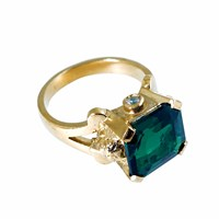 Metal Couture Emerald Green Lioness Of Versailles Ring Small Gold