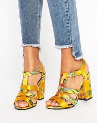 New Look Summer Brocade Heeled Platform Sandal Yellow