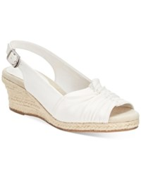 Easy Street Shoes Kindly Sandals Women's White Texture