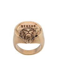 Versus Embossed Chunky Ring Gold
