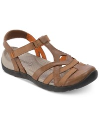 Bare Traps Fifer Rebound Technology Flat Sandals Women's Shoes Brown