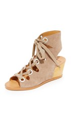 Dolce Vita Lei Wedges Taupe