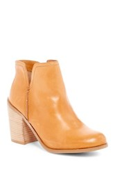 Kenneth Cole Reaction Kite Fly Bootie Brown