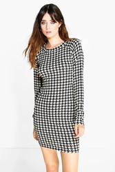 Boohoo Dogtooth Brushed Knit Bodycon Dress White