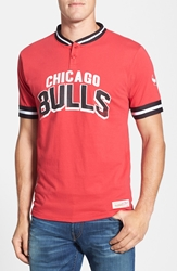 Mitchell And Ness 'Chicago Bulls Game Ball' Tailored Fit Short Sleeve Henley