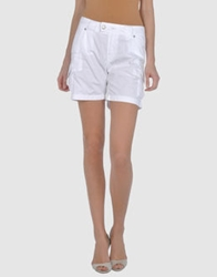 Two Women In The World Bermudas White