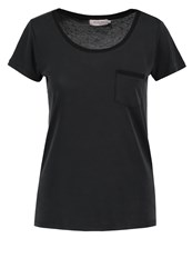 Soaked In Luxury Columbine Basic Tshirt Black