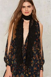 Front Row Lace Scarf Black