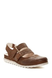 Born Laina Mary Jane Flat Brown