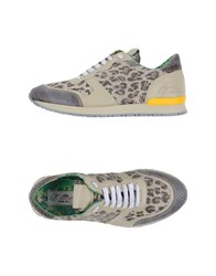 Le Crown Footwear Low Tops And Trainers Women Sand
