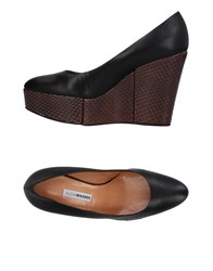 Alexa Wagner Footwear Courts