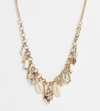 Glamorous Shell Charm Necklace Gold