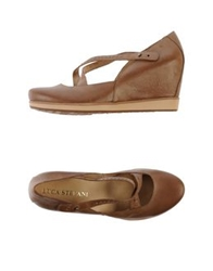 Luca Stefani Pumps Light Brown