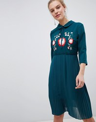 Liquorish Pleated Dress With Floral Embroidered Green