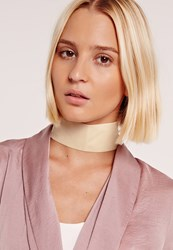 Missguided Thick Velvet Choker Cream Cream