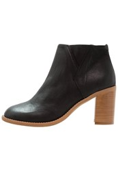 Sneaky Steve Leigthon Ankle Boots Black