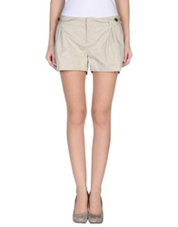 Bench Shorts Beige