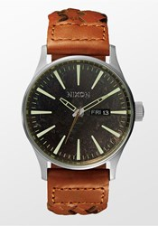 Sentry Leather Dark Copper Saddle Woven Nixon Watch