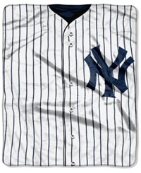 Northwest Company New York Yankees Raschel Strike Blanket Navy