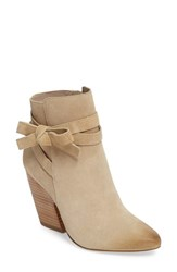Pelle Moda Women's Jax Block Heel Bootie Sand Leather