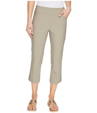 Tribal Stretch Bengaline 22 Flatten It Capris W Snap Detail Oak Moss Women's Casual Pants Green