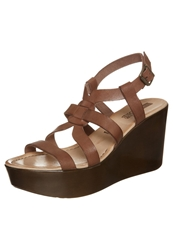 Pier One Wedge Sandals Tdm Brown