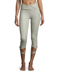 Onzie Ballerina Capri Athletic Leggings Stone Fishnet Gray