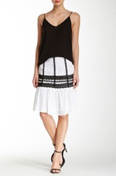 Gracia Embroidered Detail Skirt White
