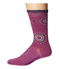 Feetures Sunburst Ultra Light Crew Sock Berry Crew Cut Socks Shoes Burgundy