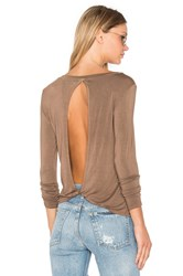 Nytt Twist Back Tee Brown