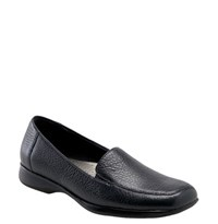 Women's Trotters 'Jenn' Loafer Navy Soft Tumbled Leather