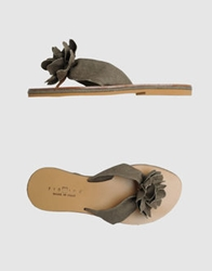 Fiorina Thong Sandals Black