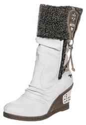 Mustang High Heeled Boots Off White