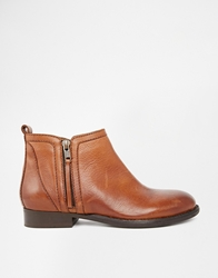 Bertie Pasco Zip Ankle Boots Tanleather