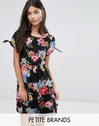 Yumi Petite Skater Dress With Bow Sleeve In Floral Print Black