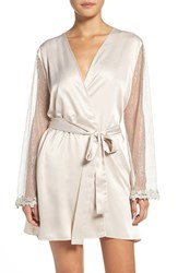Flora Nikrooz Women's 'Showstopper' Robe