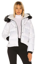 The North Face Dealio Down Crop Jacket With Faux Fur Trim In White. Tnf White