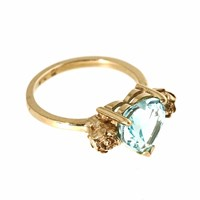Metal Couture Topaz Blue Stone Heart And Gold Roses Ring