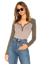Chaser Long Sleeve Snap Cuff Raglan Henley Taupe